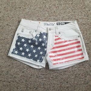 Miss Me USA Flag Shorts Size 29